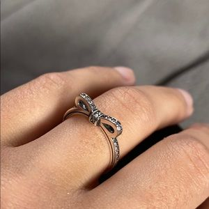 💍CZ SS Silver Bow Ring💍
